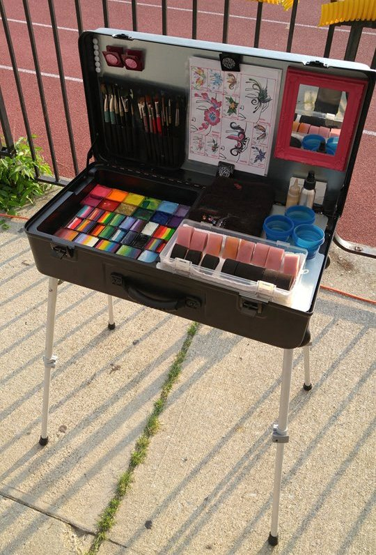 The Craft-n-Go Paint Station Ready for Biz!